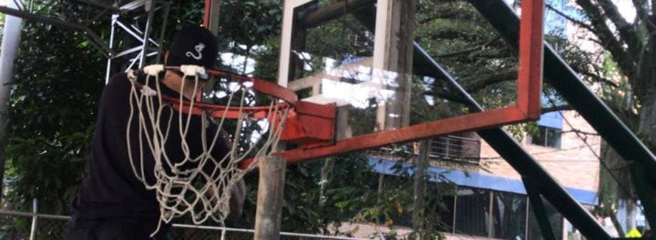 Índer Envigado ya arregló el tablero de la cancha de La Paz