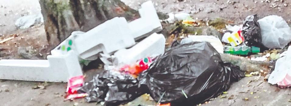 Vecina se queja por el problema de las basuras en Fátima