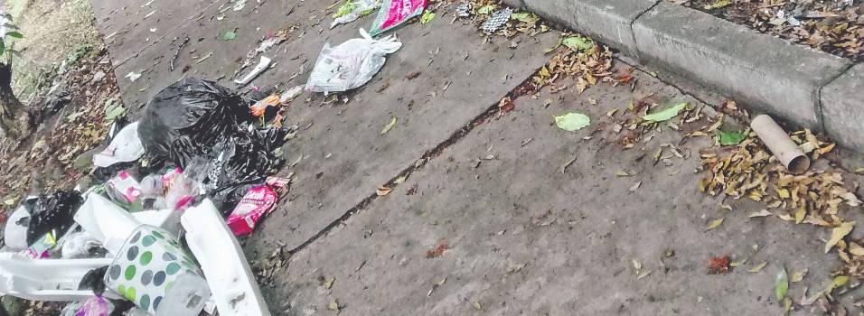 Vecino de Belén denuncia que los recicladores derraman las basuras