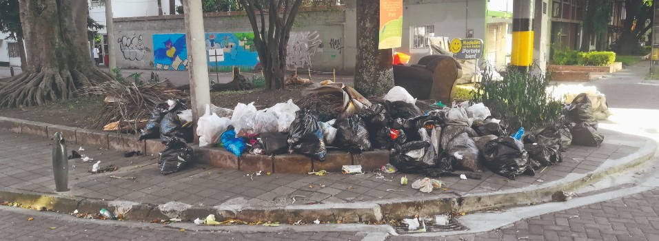 Parque en San Joaquín se convirtió en un basurero