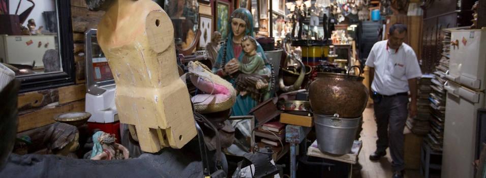 Los tesoros que guardan las anticuarias de Envigado