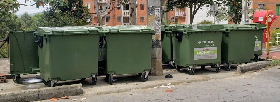 Vecina pide la instalación de contenedores de basura en la Av. Nutibara