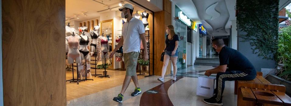 37.000 personas han ido a comprar a Oviedo, Gran Plaza y La Frontera