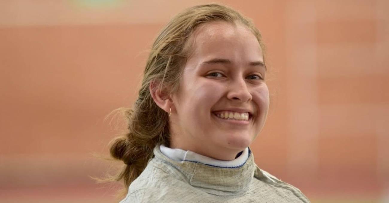 Laura ganó el primer Campeonato Nacional Online de Esgrima
